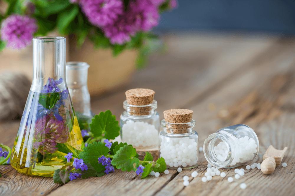 De wintermaanden zijn volop aan de gang en somberheid slaat toe. Hoe kan homeopathie hierbij helpen?